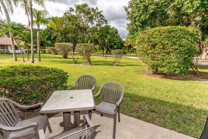 220 Club Dr Palm Beach Gardens-small-019