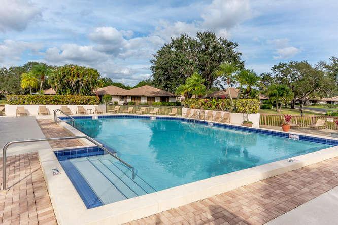 220 Club Dr Palm Beach Gardens-small-022