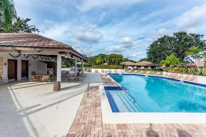 220 Club Dr Palm Beach Gardens-small-023