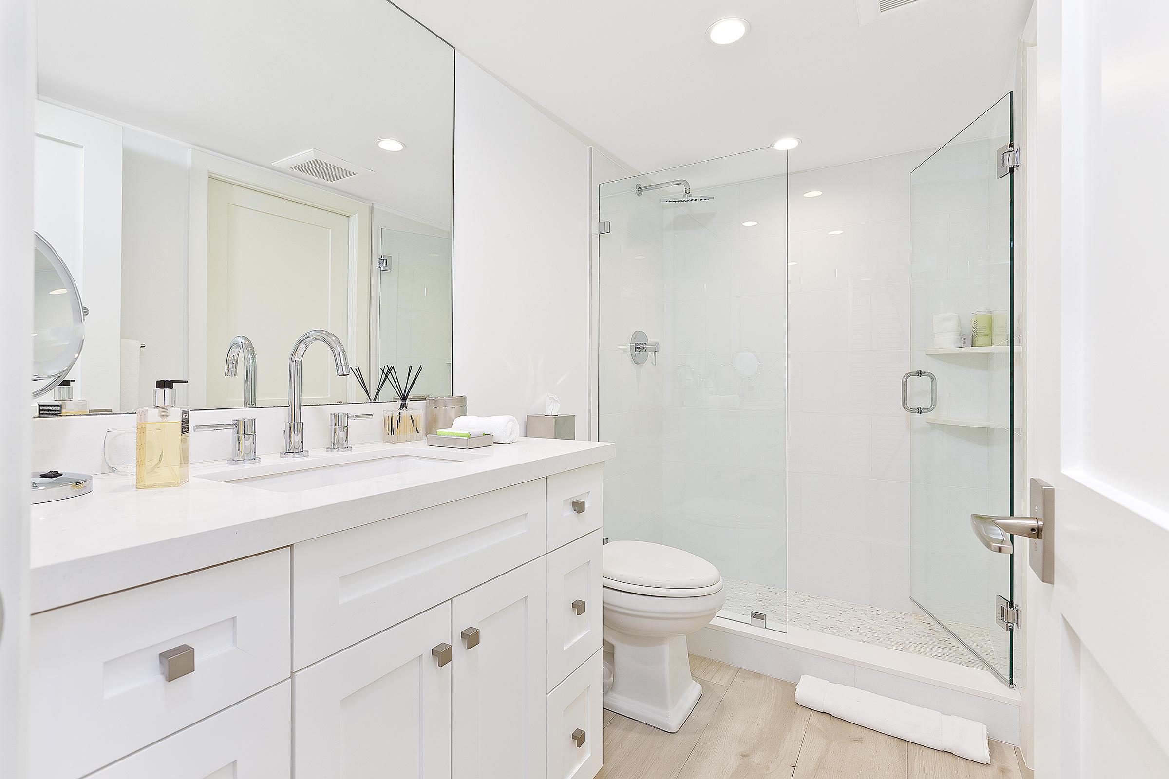 08a_Bathroom3_2