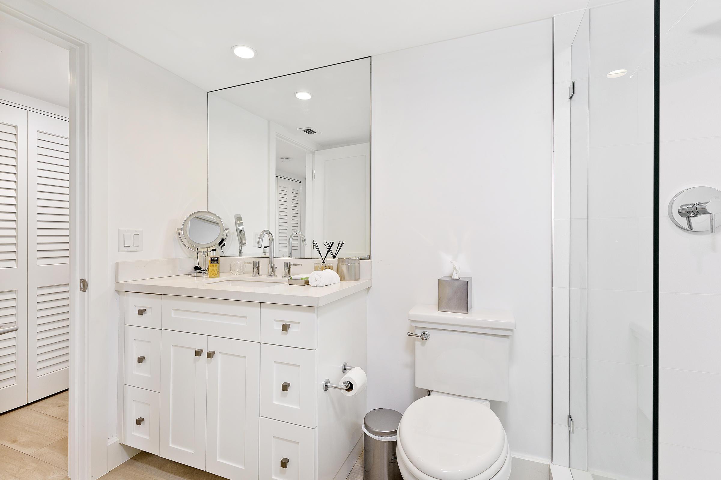 08b_Bathroom3_1