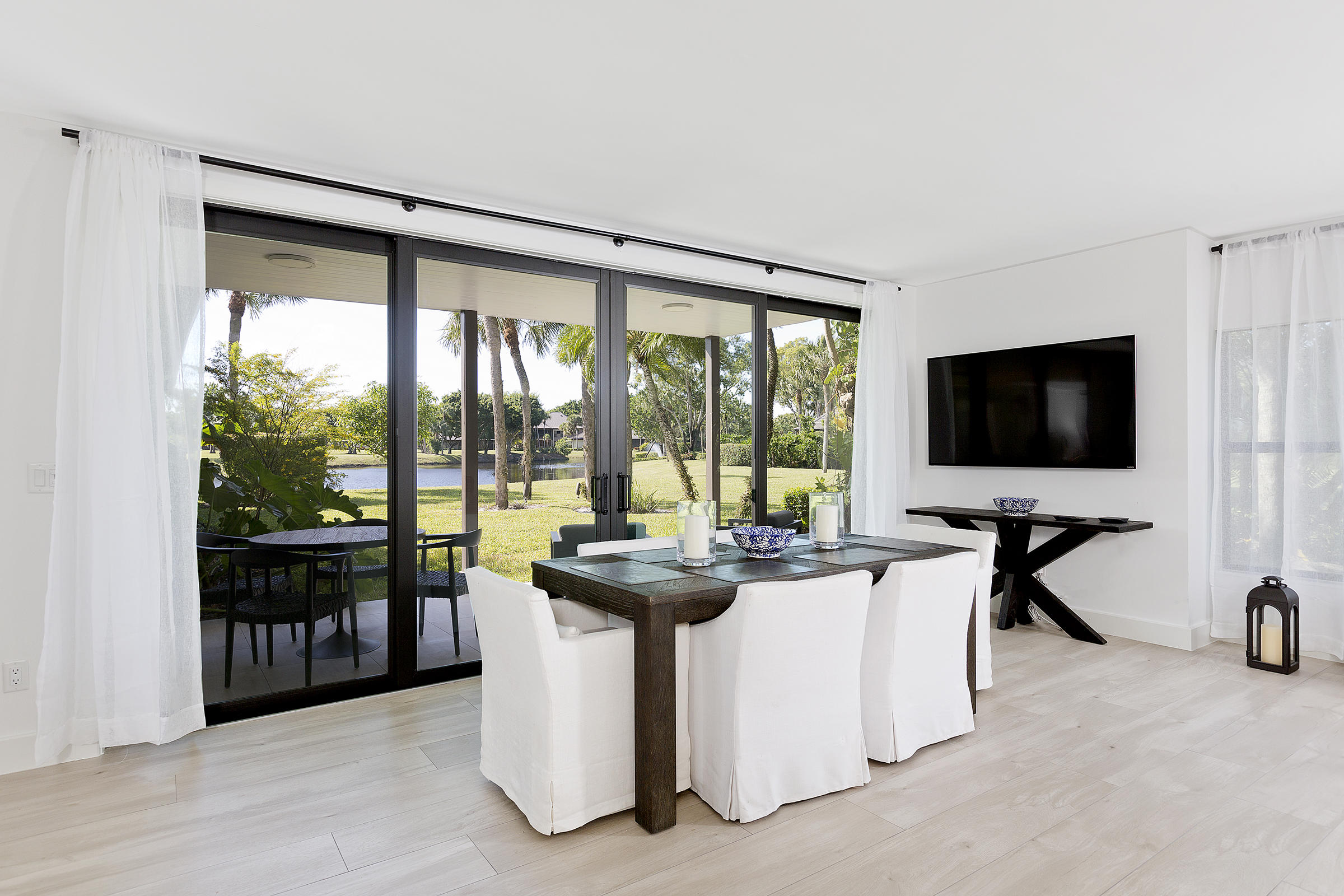 15_Dining_View