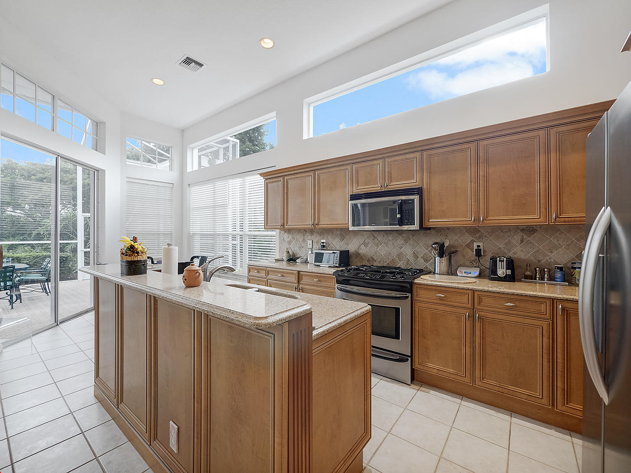 Image 2 For 137 Coral Cay Drive