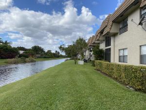 10752 Royal Palm Boulevard, 7-4, Coral Springs, FL 33065