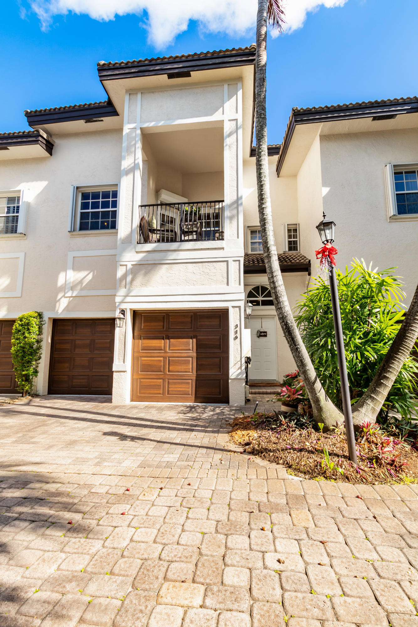Home for sale in Victoria Mews Fort Lauderdale Florida