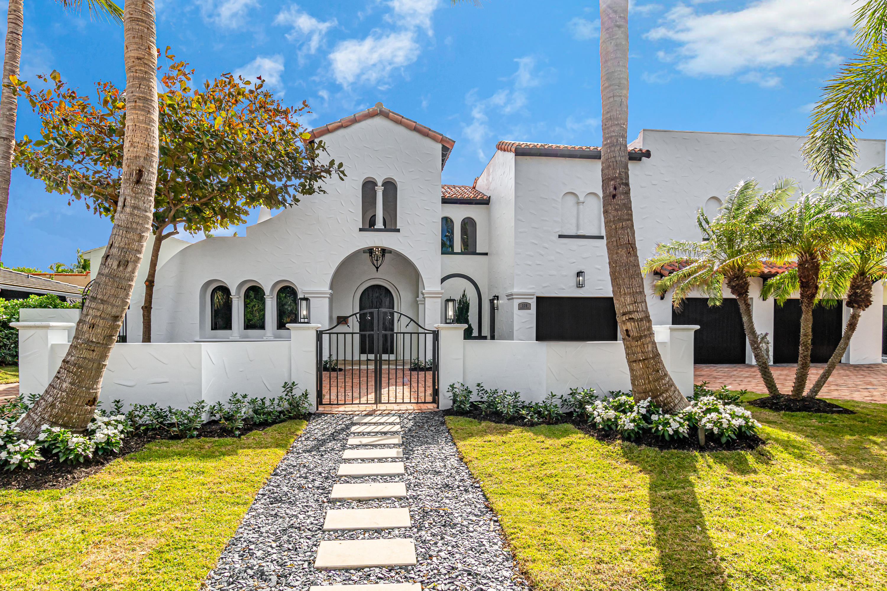 320 Murray Road, West Palm Beach, Florida 33405, 6 Bedrooms Bedrooms, ,5.1 BathroomsBathrooms,Single Family,For Sale,Murray,RX-10679831