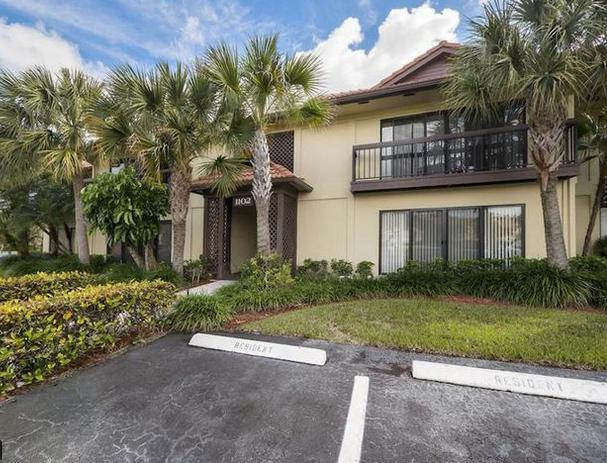 Rented through July 6th 2021. Available July 7th until January 3rd 2022. Rented for Season Jan 4th- April 4th, 2022.Elegantly furnished, 2nd floor, updated condo with open floor plan 2/2 in the heart of PGA National. This unit gets lots of natural light with double door balcony and garden view, around the corner from community pool and clubhouse. This unit boasts vaulted ceilings, fully stocked gourmet kitchen with granite counter tops, and in-unit full size laundry. Both bedrooms offer queen beds w/large closets & ceiling fans. The community is located on a nature preserve with walking trails, parks & golf views. Centrally located 5 minutes from the Gardens Mall, restaurants & great shopping, as well as 10 minutes to Juno Beach! Come enjoy a piece of paradise! No pets or trucks allowed.