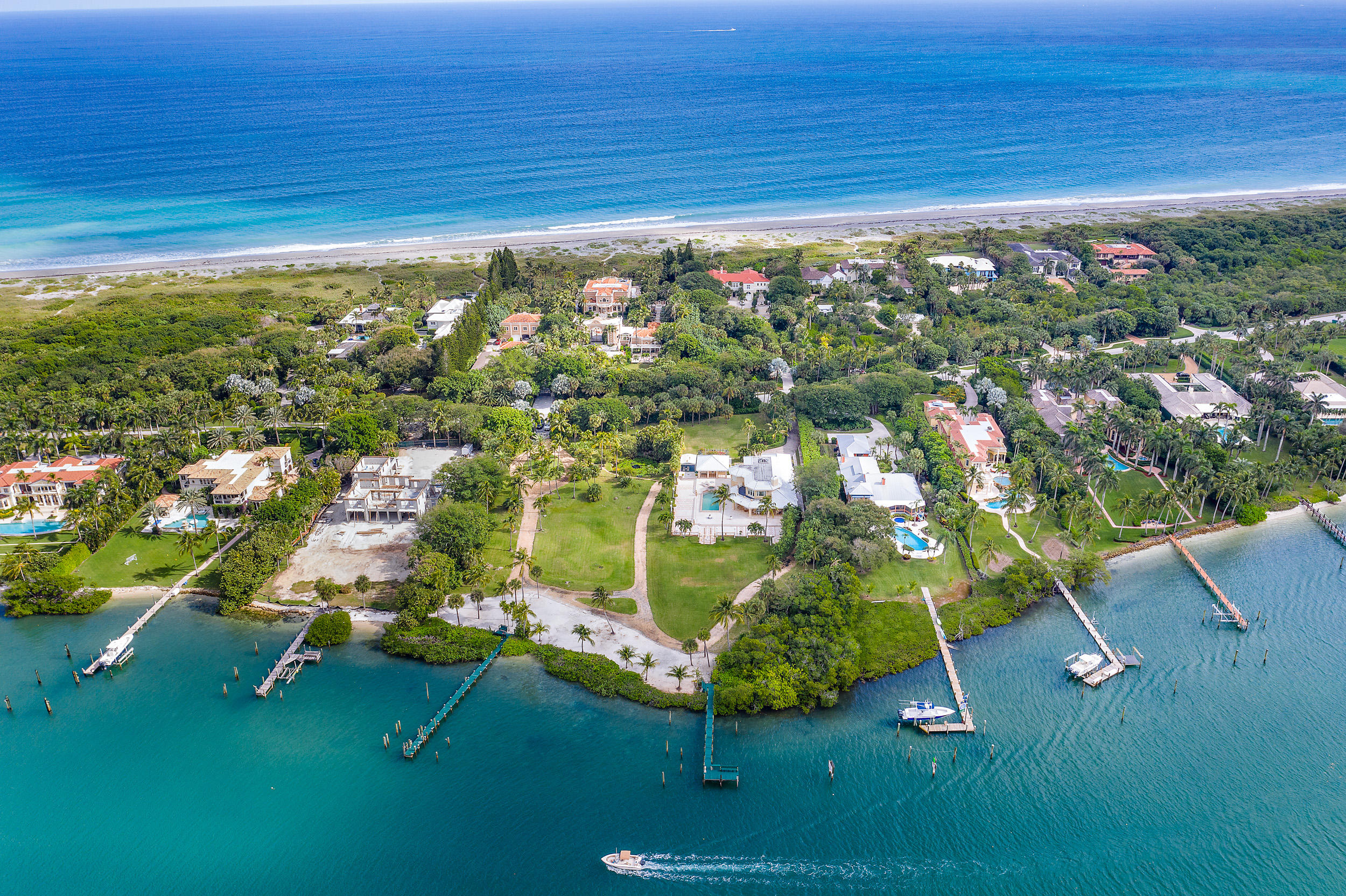 Photo of 509 S Beach Road, Hobe Sound, FL 33455