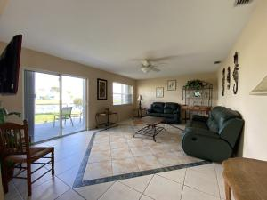 603 Sw 15th Street Boynton Beach FL 33426