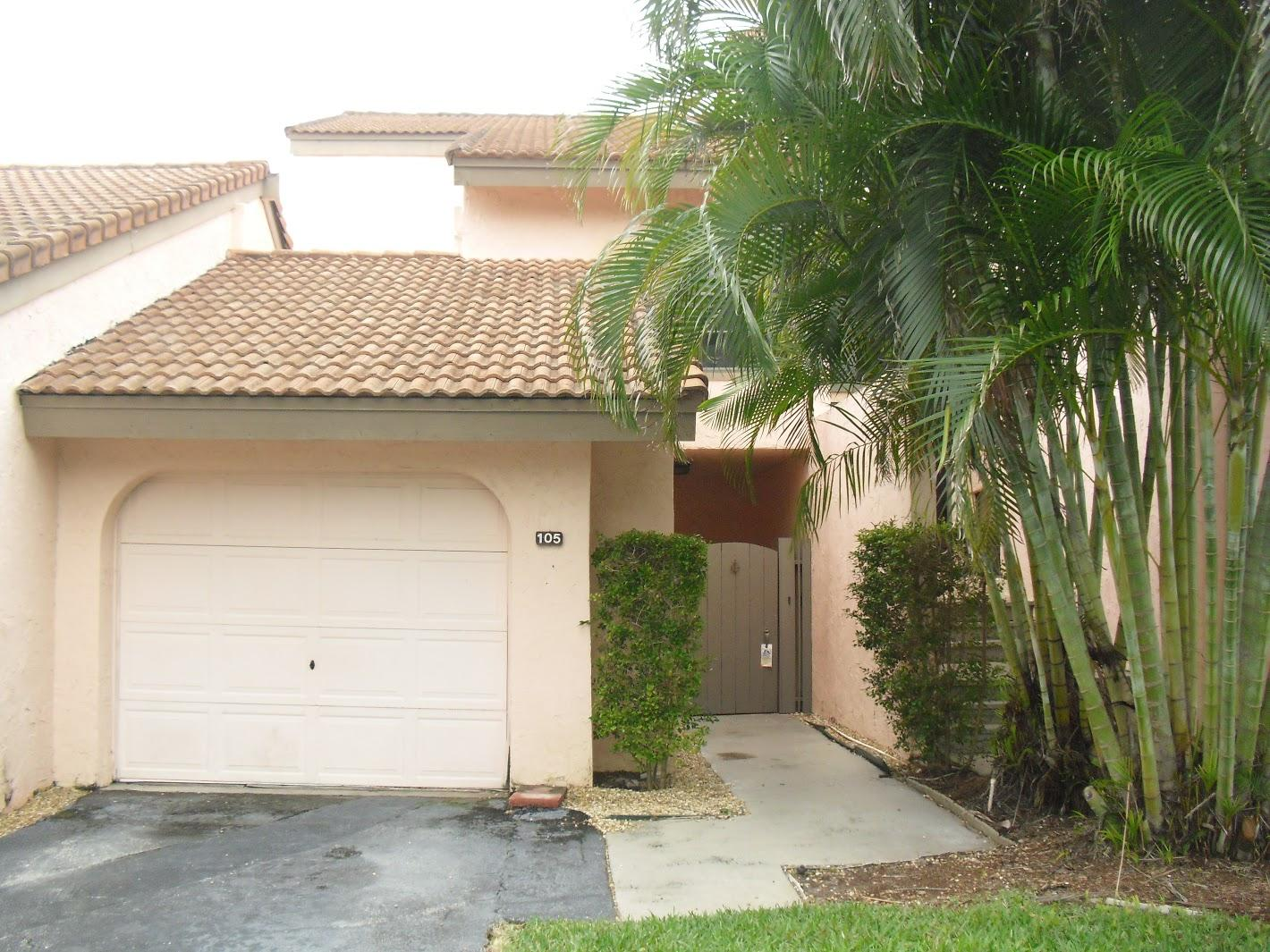 1800  Embassy Drive 105 For Sale 10681590, FL