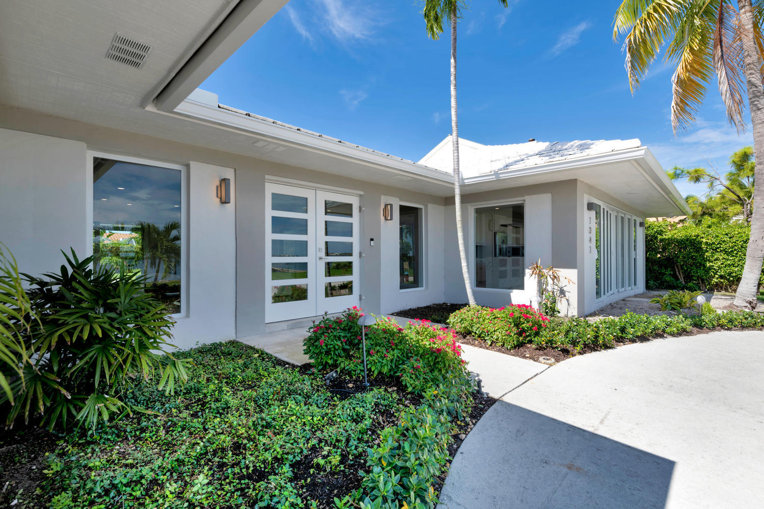 1041 Pine Point Rd West Palm-large-026-0