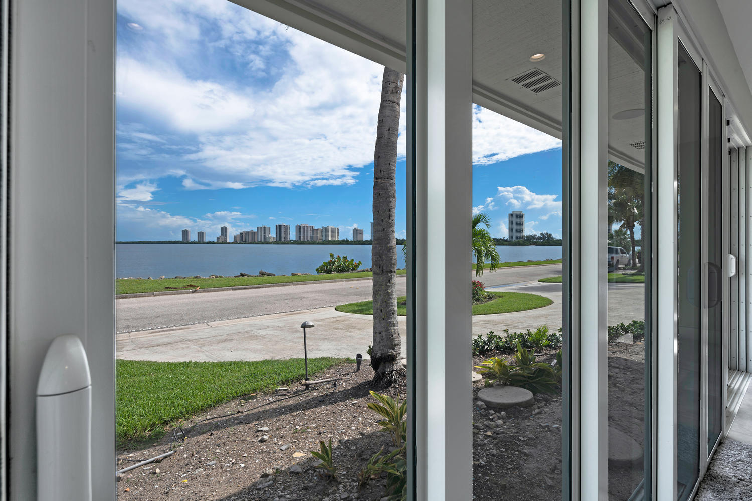 1041 Pine Point Rd West Palm-large-003-0