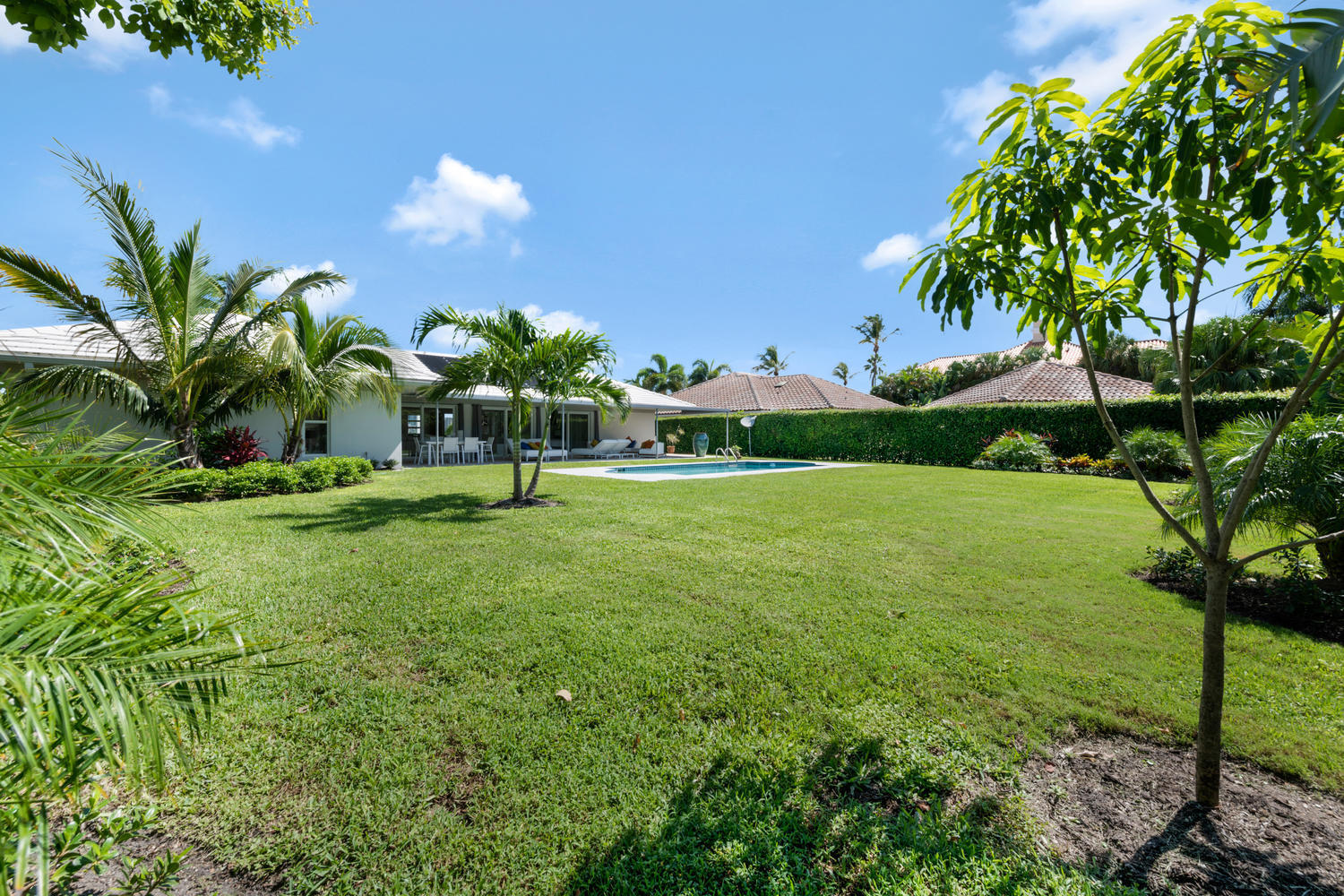 1041 Pine Point Rd West Palm-large-023-0