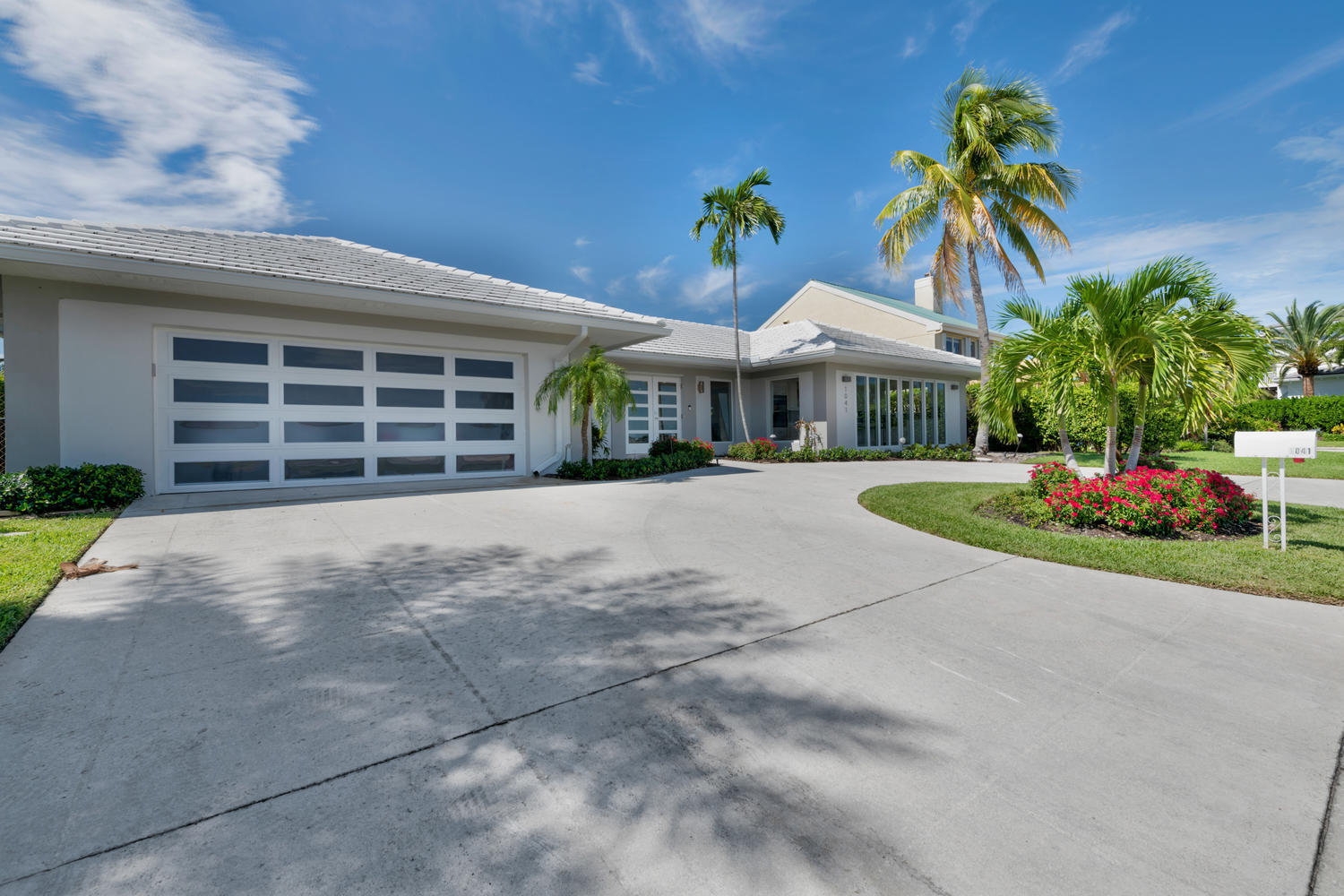1041 Pine Point Rd West Palm-large-025-0