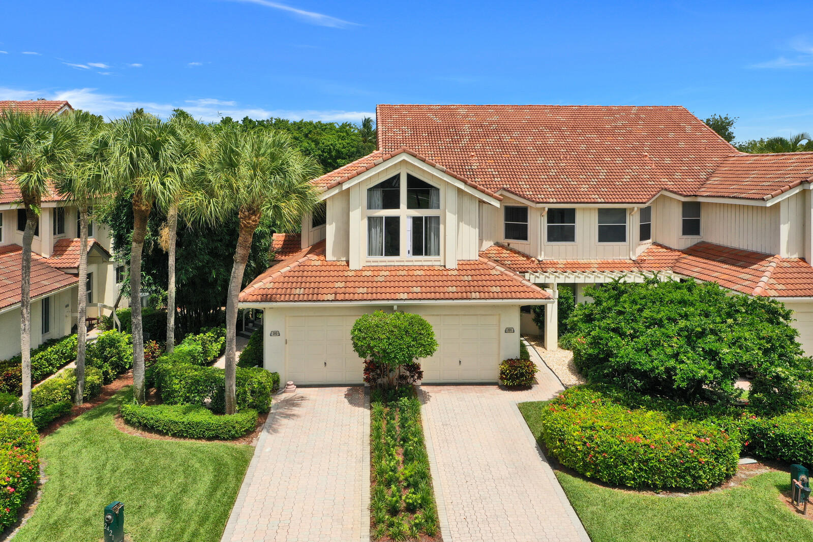 2411 NW 59th Street 202 For Sale 10682447, FL