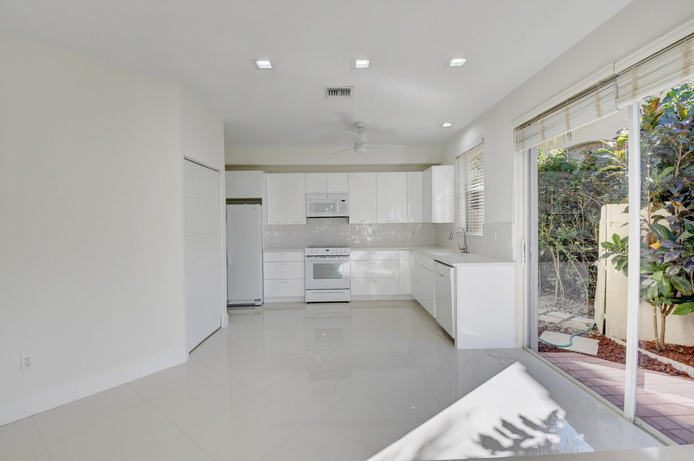 Image 10 For 2547 53rd Street Nw