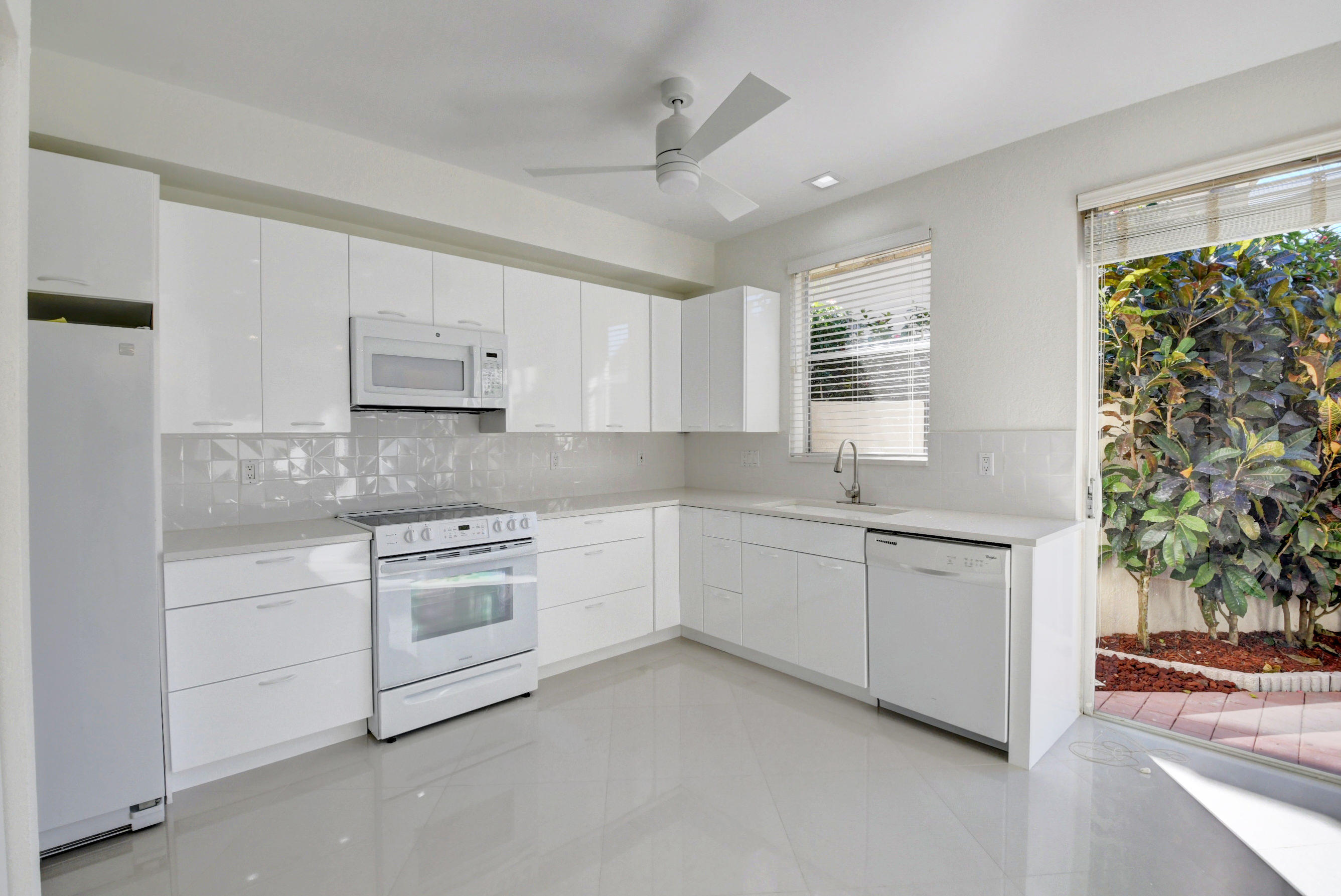 Image 12 For 2547 53rd Street Nw
