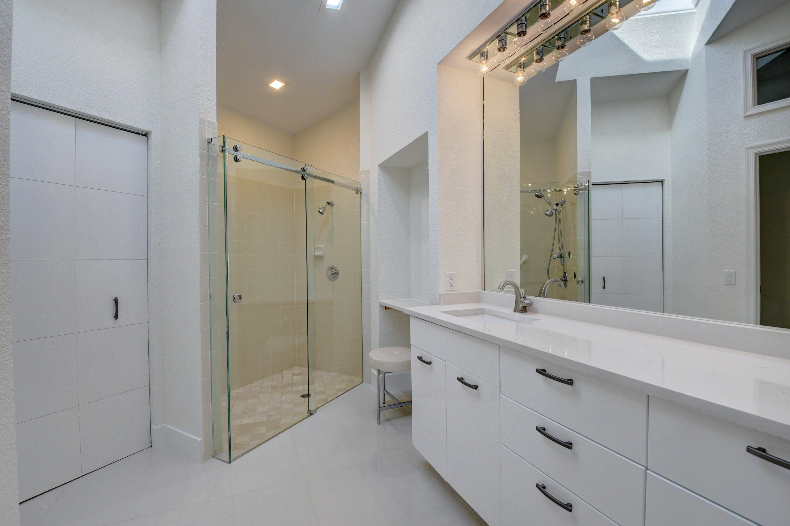 Image 20 For 2547 53rd Street Nw