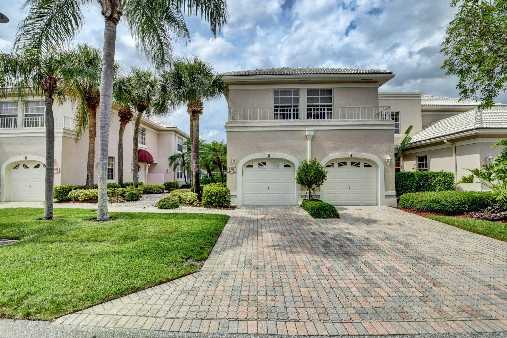 5171  Lake Catalina Drive B For Sale 10682864, FL