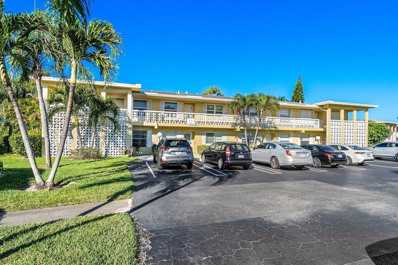 1121  Cactus Terrace 203 For Sale 10681236, FL