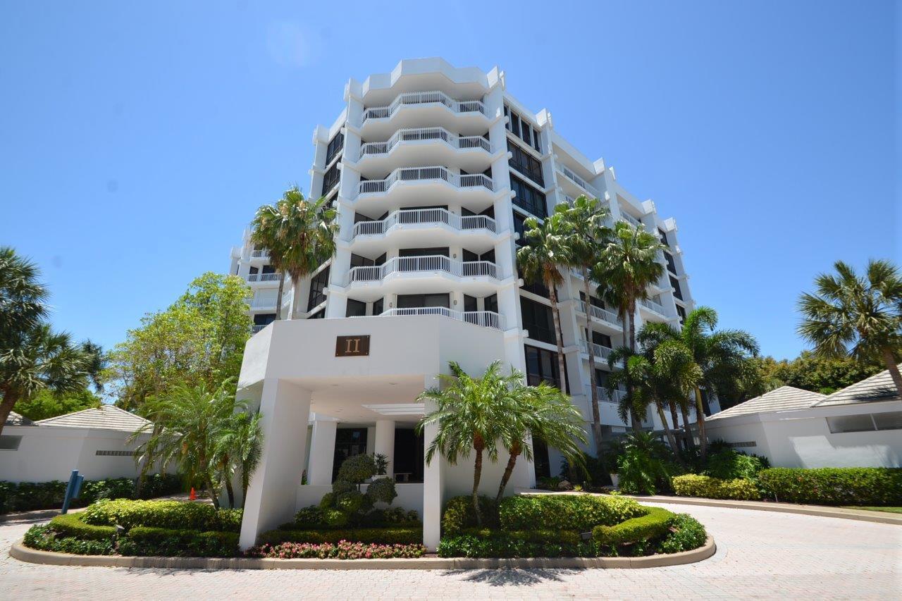 20290  Fairway Oaks Drive 272 For Sale 10682971, FL