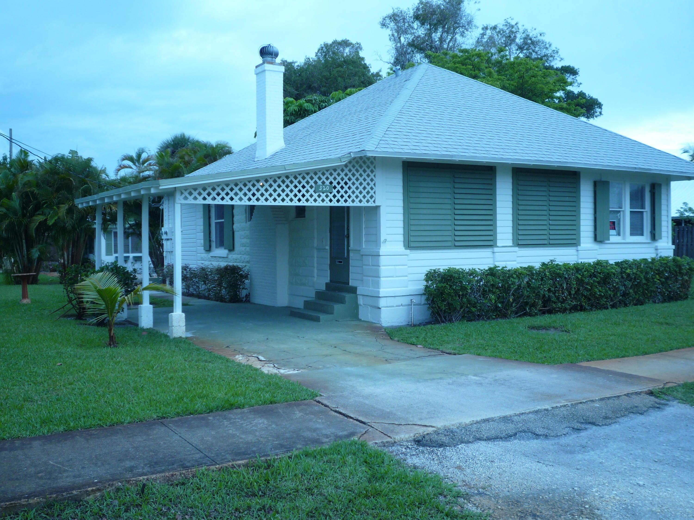 320 SE 4th Avenue  For Sale 10683090, FL