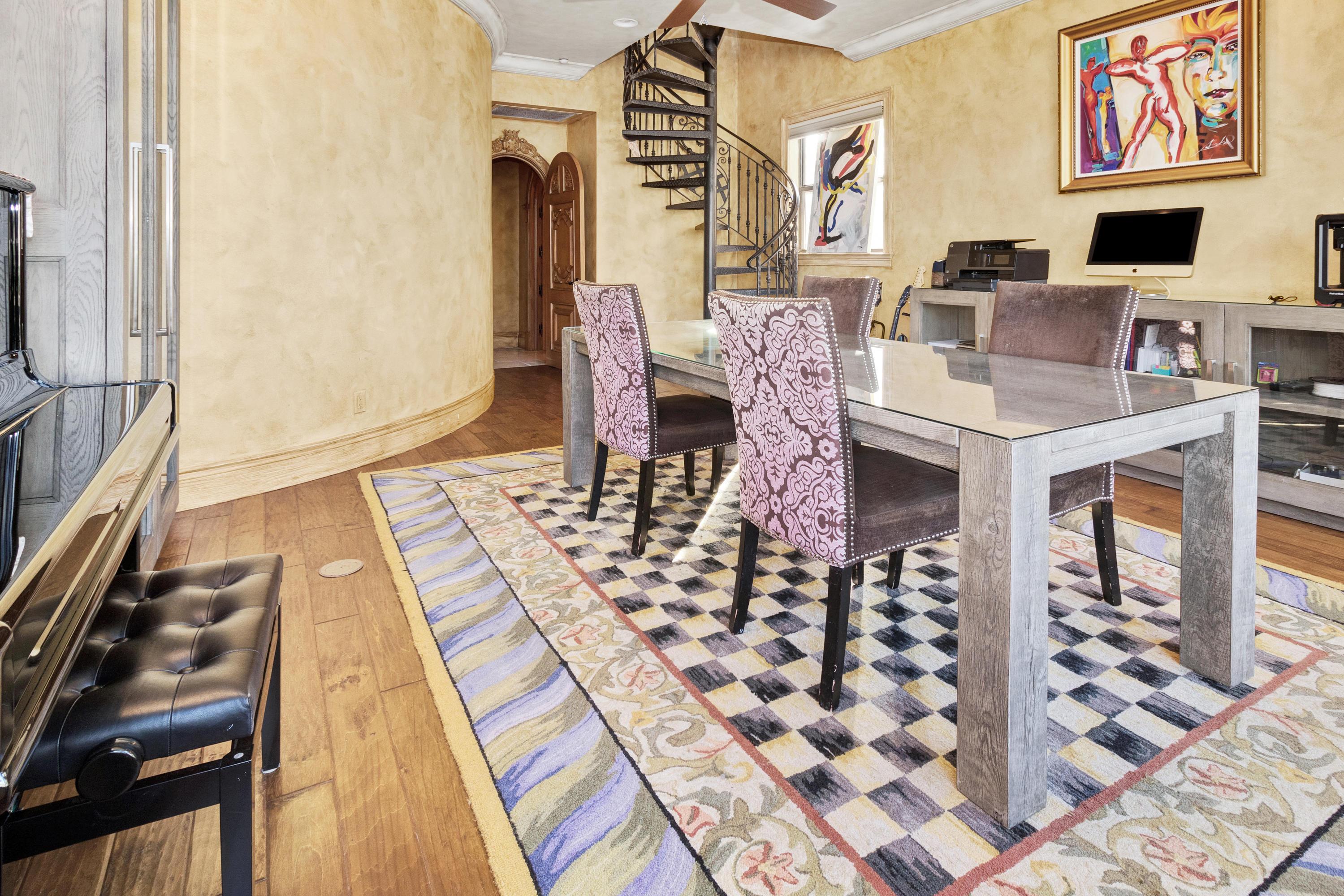 Image 50 For 1011 Rhodes Villa Avenue
