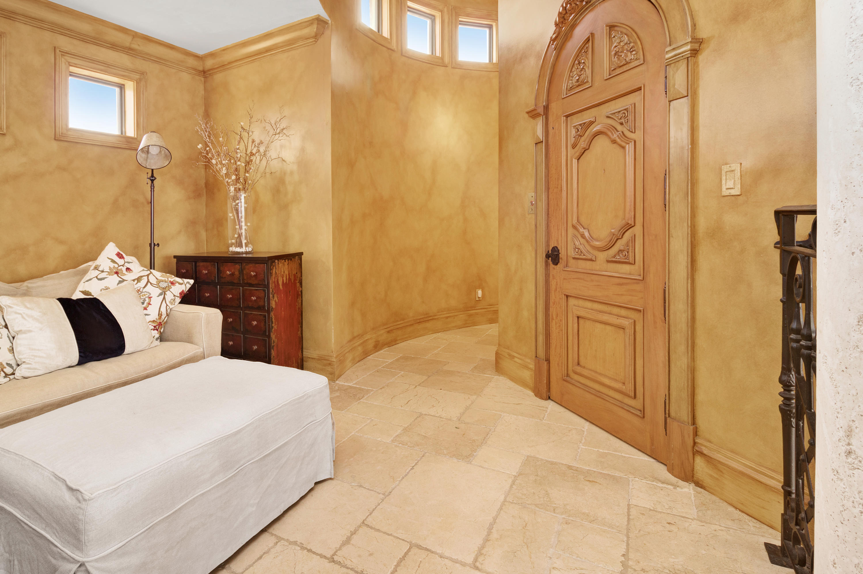 Image 83 For 1011 Rhodes Villa Avenue