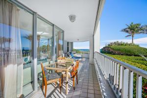 5200 N Ocean Drive, 102, Riviera Beach, FL 33404
