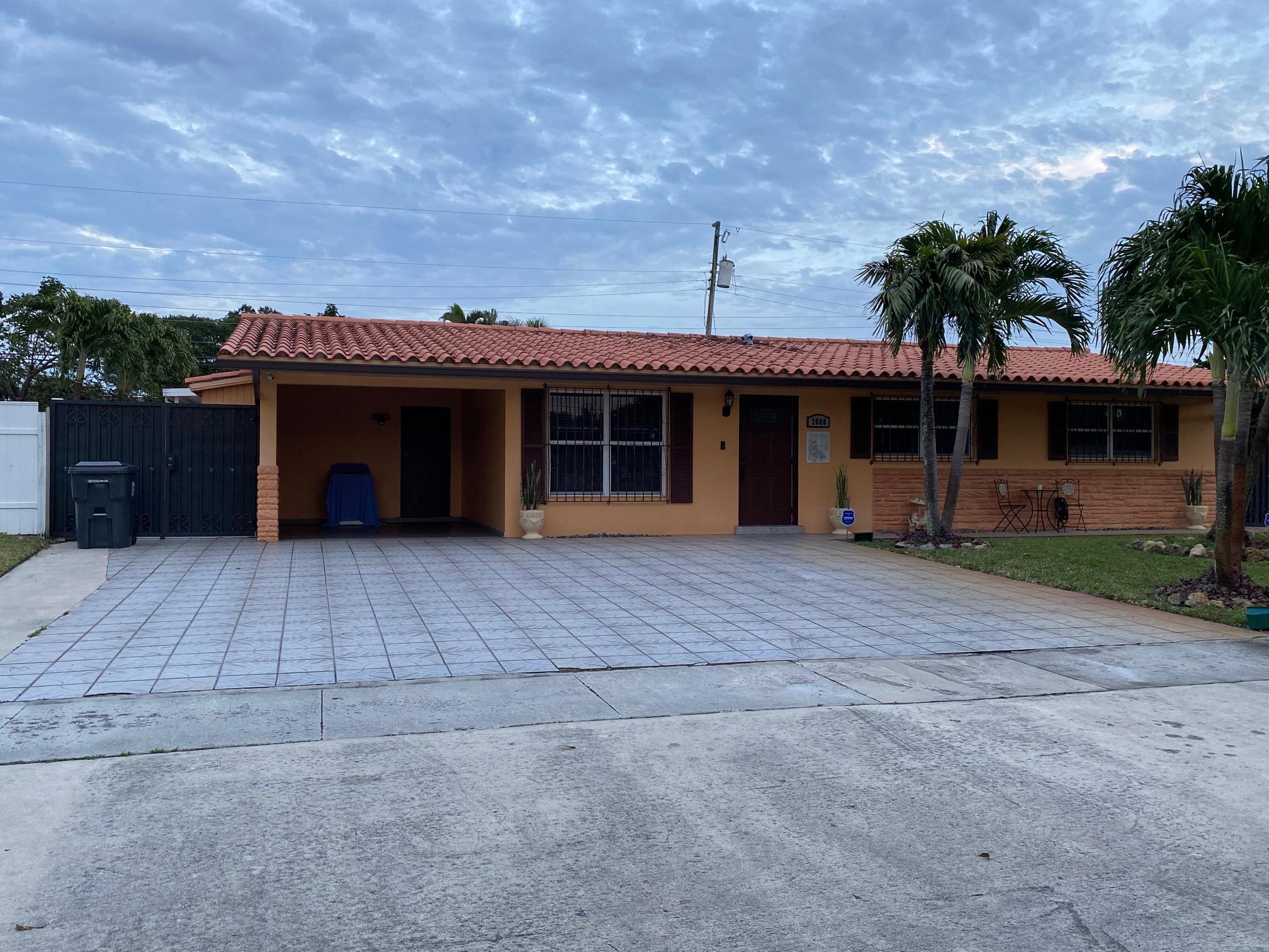 2080  Bimini Drive  For Sale 10683678, FL