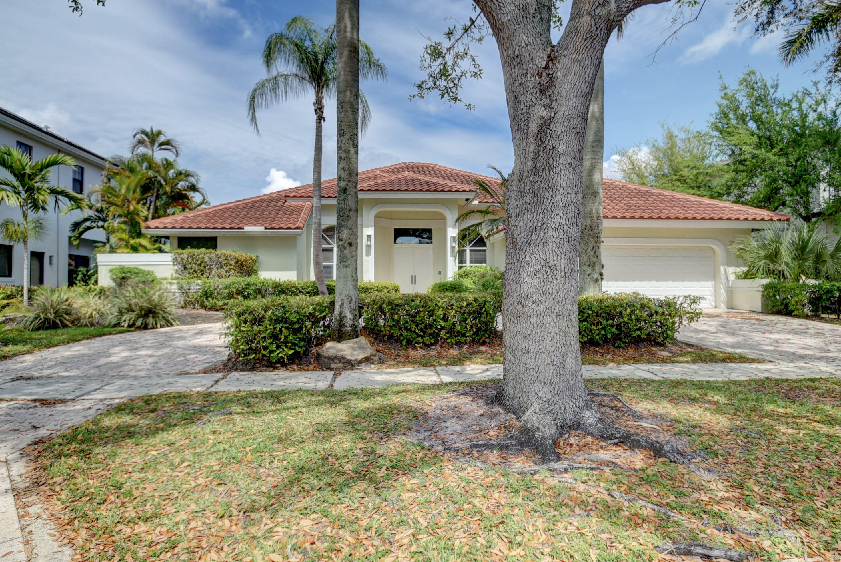 3167  Saint Annes Drive  For Sale 10685482, FL