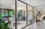 Fully enclosed balcony / Florida room