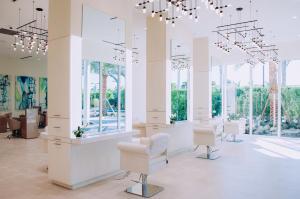 Club Salon