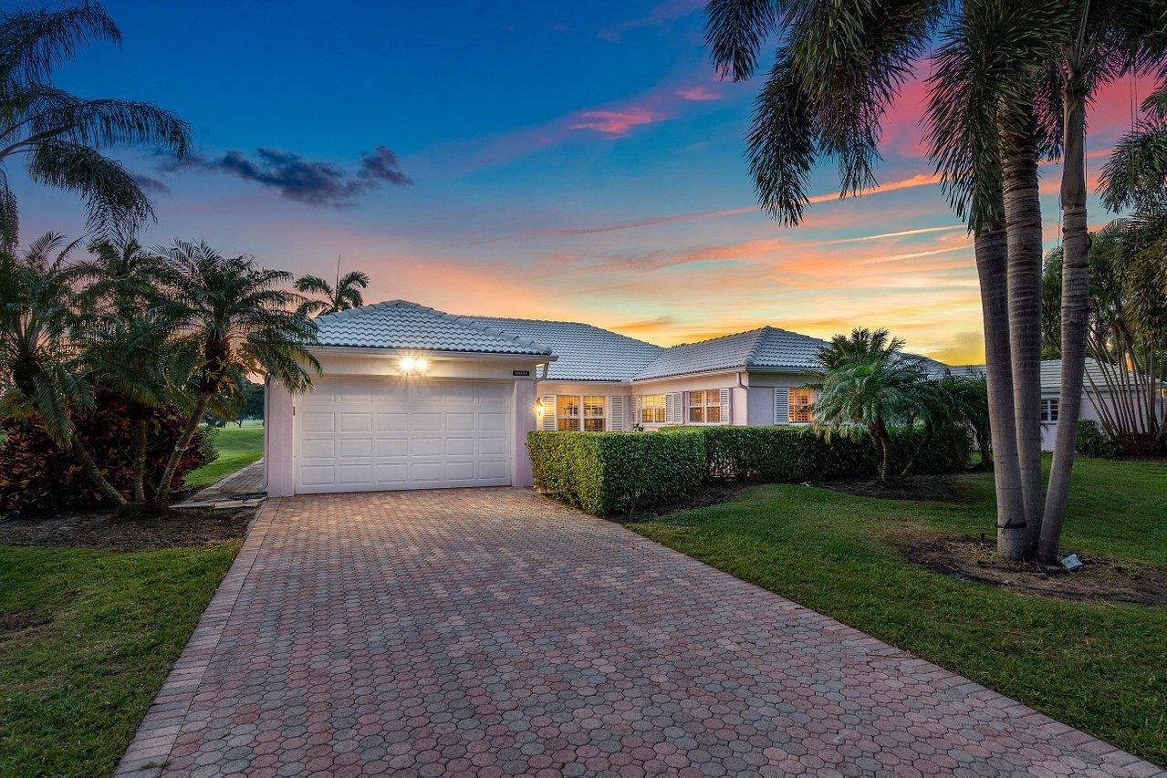 4351  Sanderling Lane  For Sale 10684938, FL