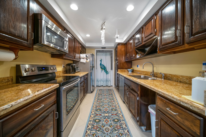 899  Jeffery Street 206 For Sale 10685299, FL