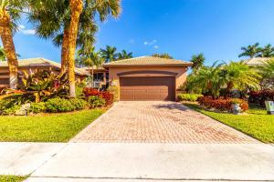10752 Royal Caribbean Circle, Boynton Beach, FL 33437