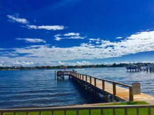1204 S Lake Drive, 11, Lantana, FL 33462