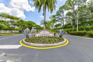 14 Lawrence Lake Drive Boynton Beach FL 33436
