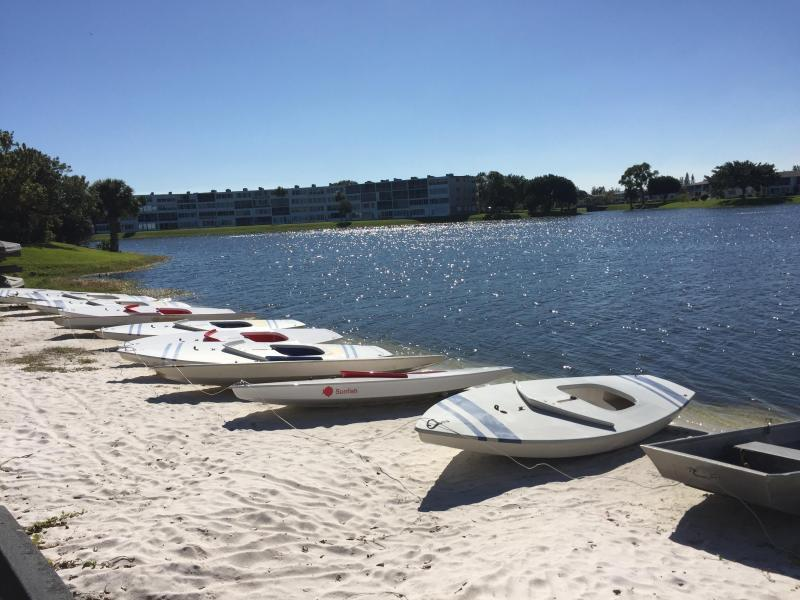 CENTURY VILLAGE LAKE WITH BOATING - Copy