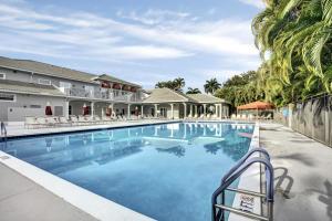 10712 Royal Caribbean Circle Boynton Beach FL 33437