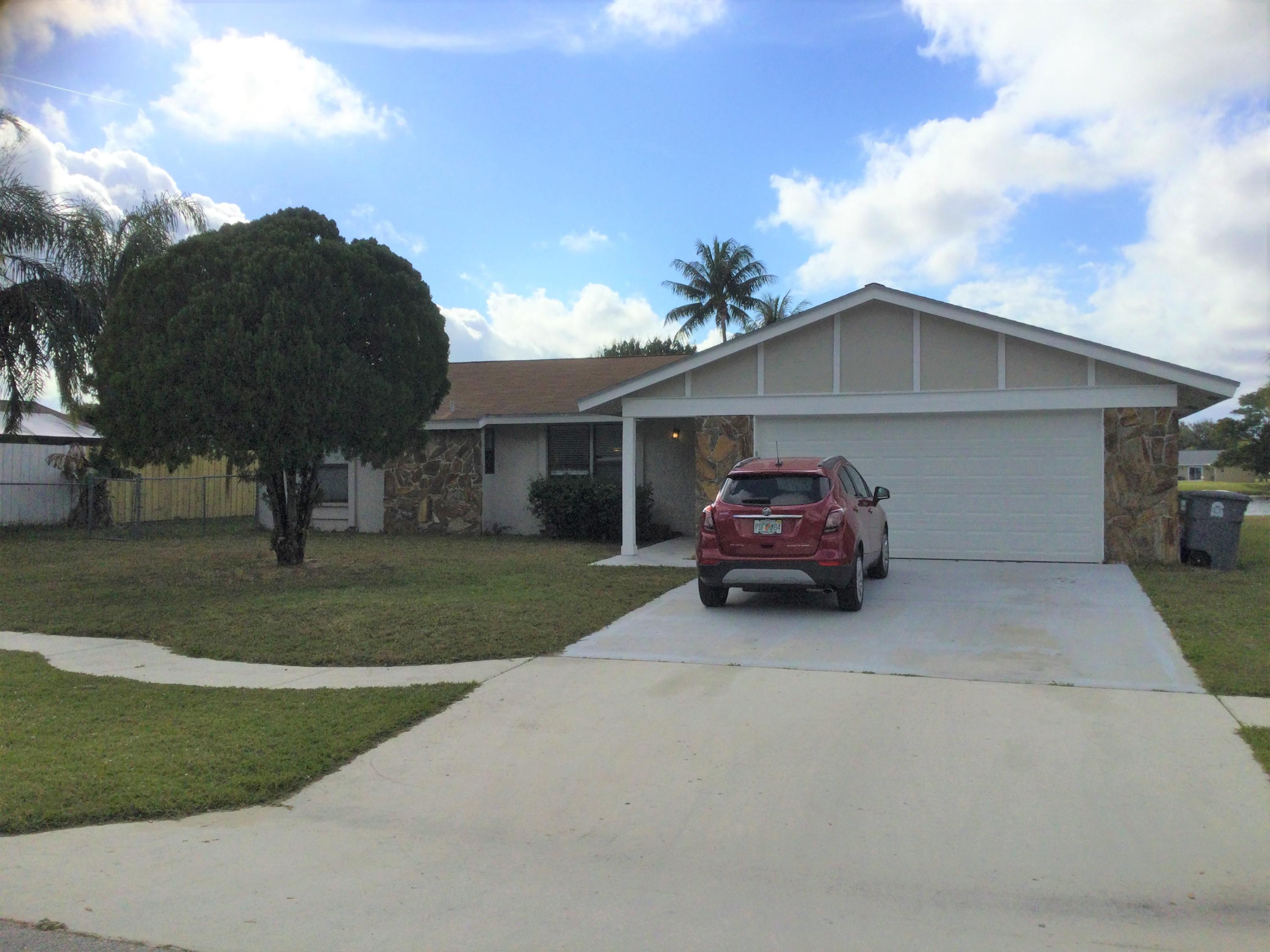 8267 E Little Beth Drive  Boynton Beach FL 33472