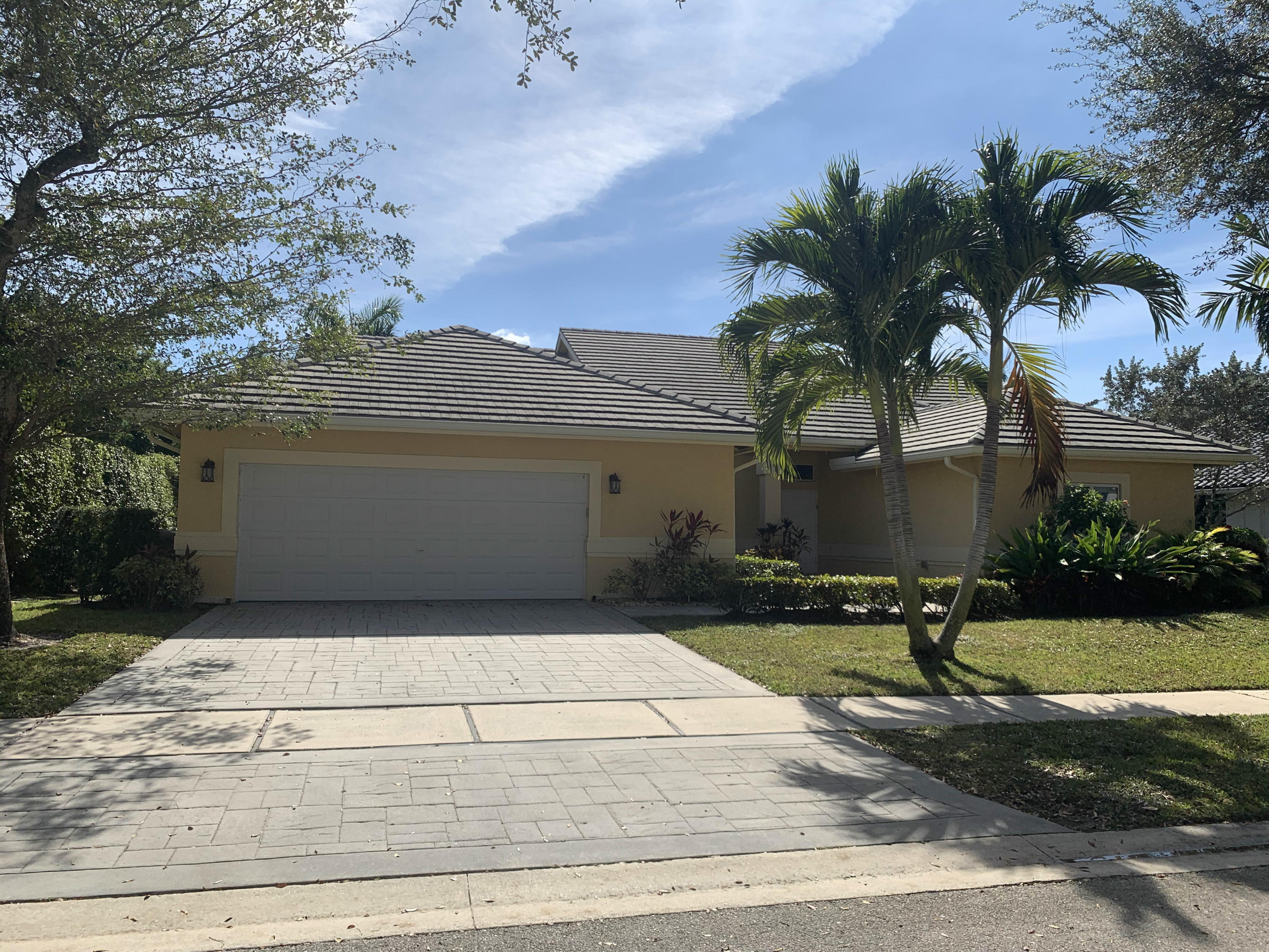 3246  Westminster Drive  For Sale 10687940, FL
