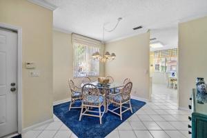 6831 Via Regina Boca Raton FL 33433