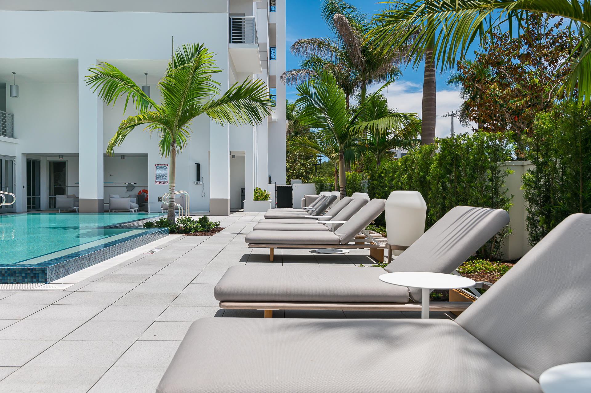Pool & Outdoor Seating Area