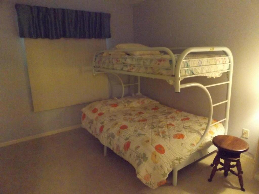 6731 BEDROOM 2