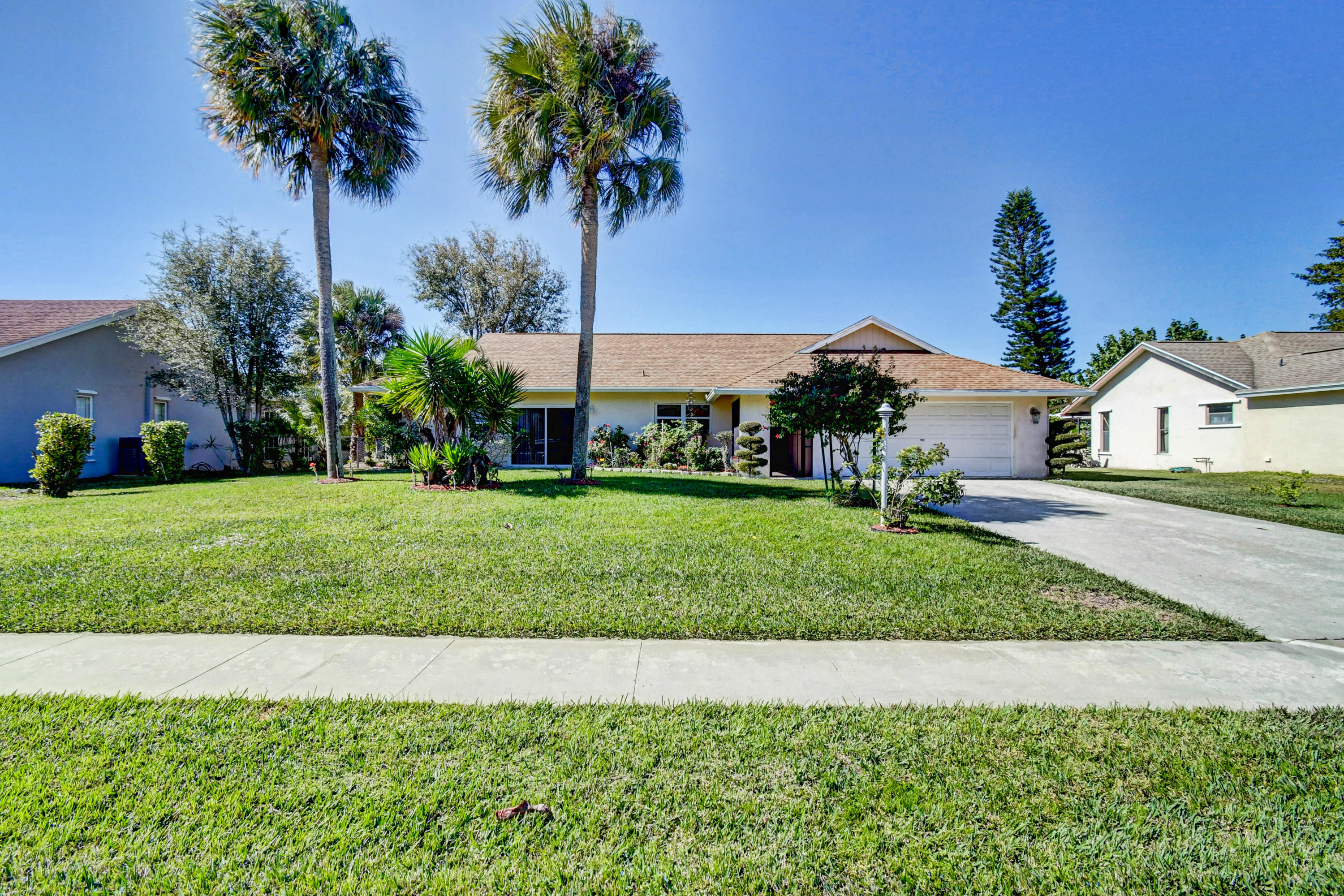 Home for sale in Lakes Of Sherbrooke Lake Worth Florida