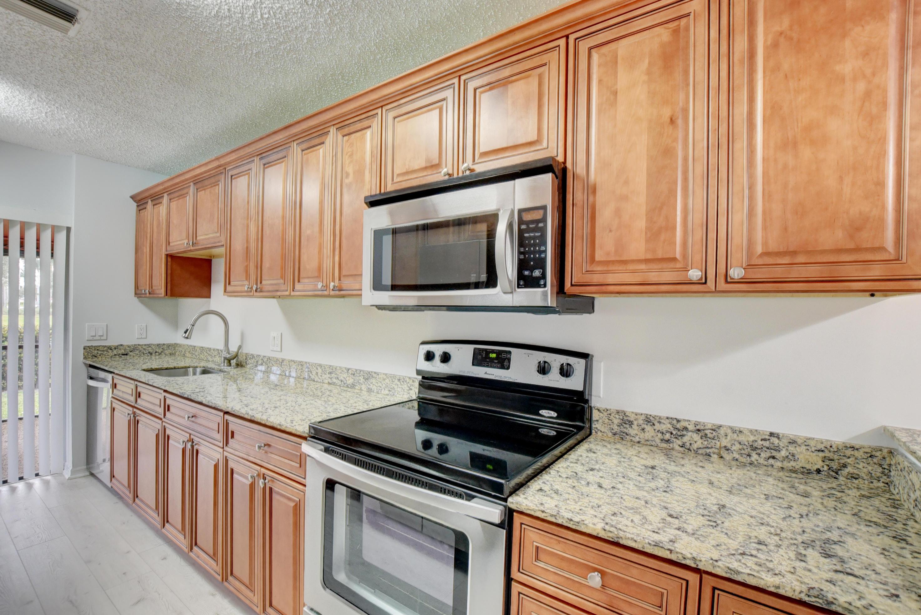 12236  Sag Harbor Court 4 For Sale 10689405, FL