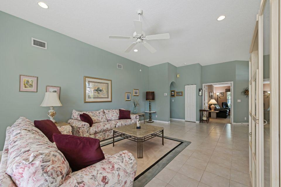 2811 Waters Edge Circle Greenacres, FL 33413 photo 6