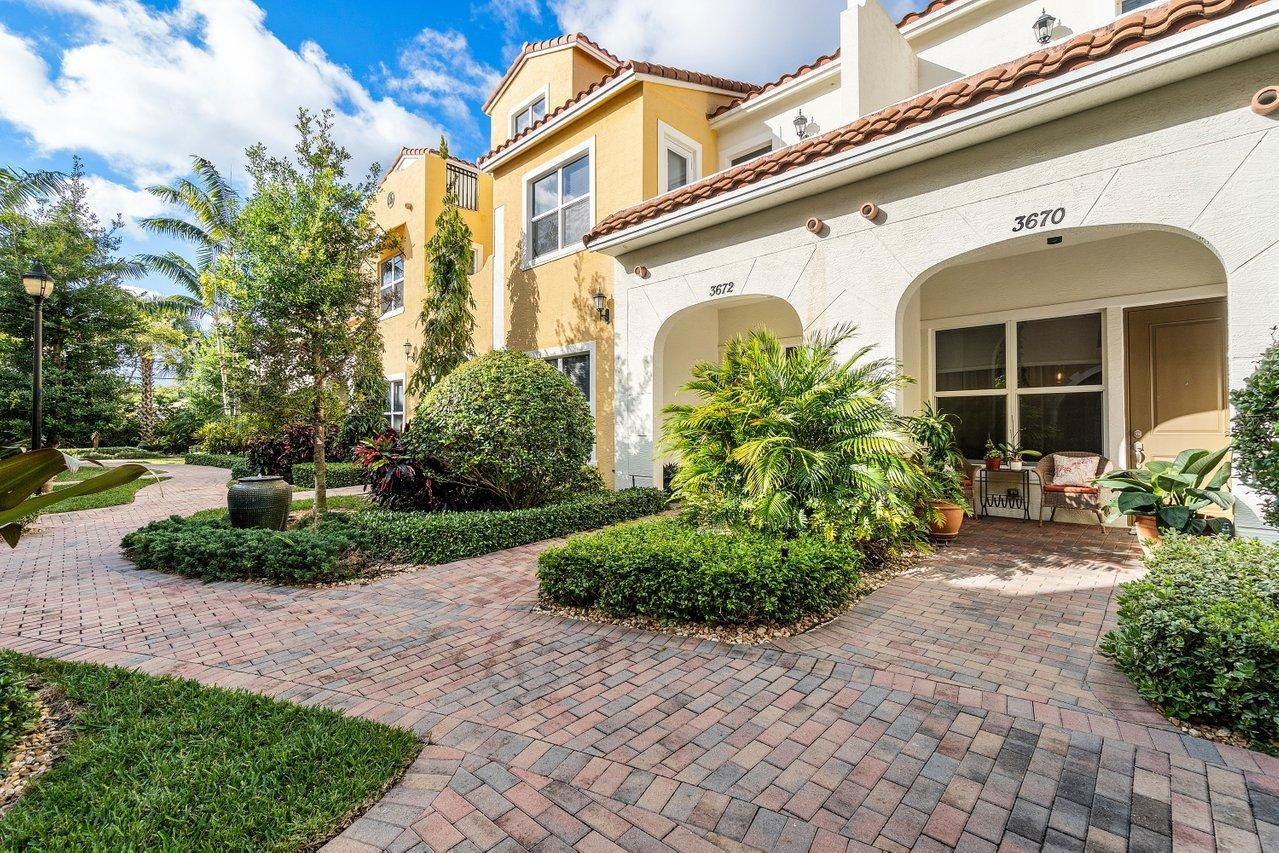 Home for sale in VILLAS ON ANTIQUE ROW West Palm Beach Florida