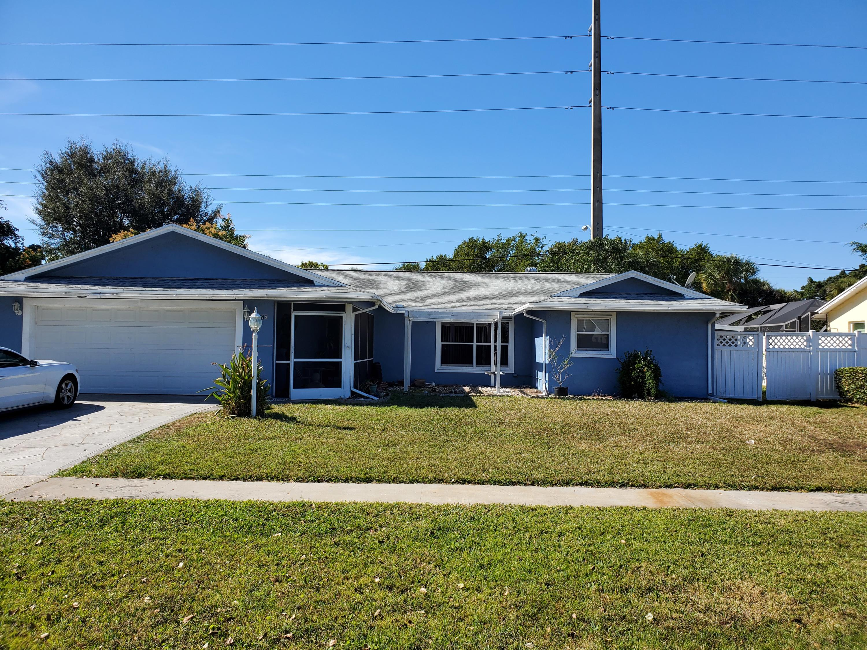 5279 Woodstone Circle Lake Worth, FL 33463
